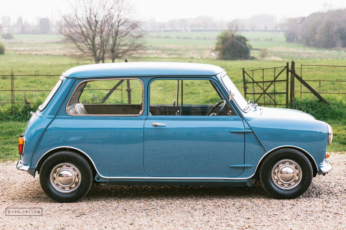 1960 Morris Mini-Minor 850 SOLD (picture 3 of 6)