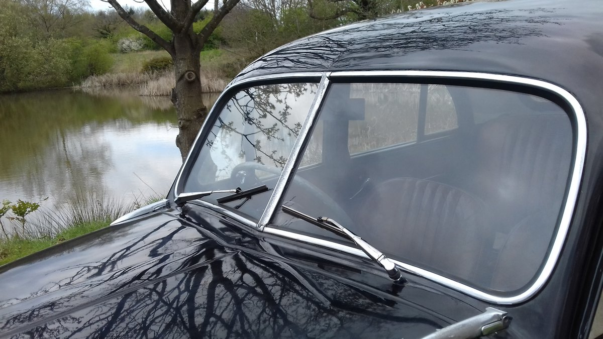 1956 MORRIS MINOR 'SPLIT SCREEN'  ~ JUST ARRIVED!! SOLD (picture 4 of 6)