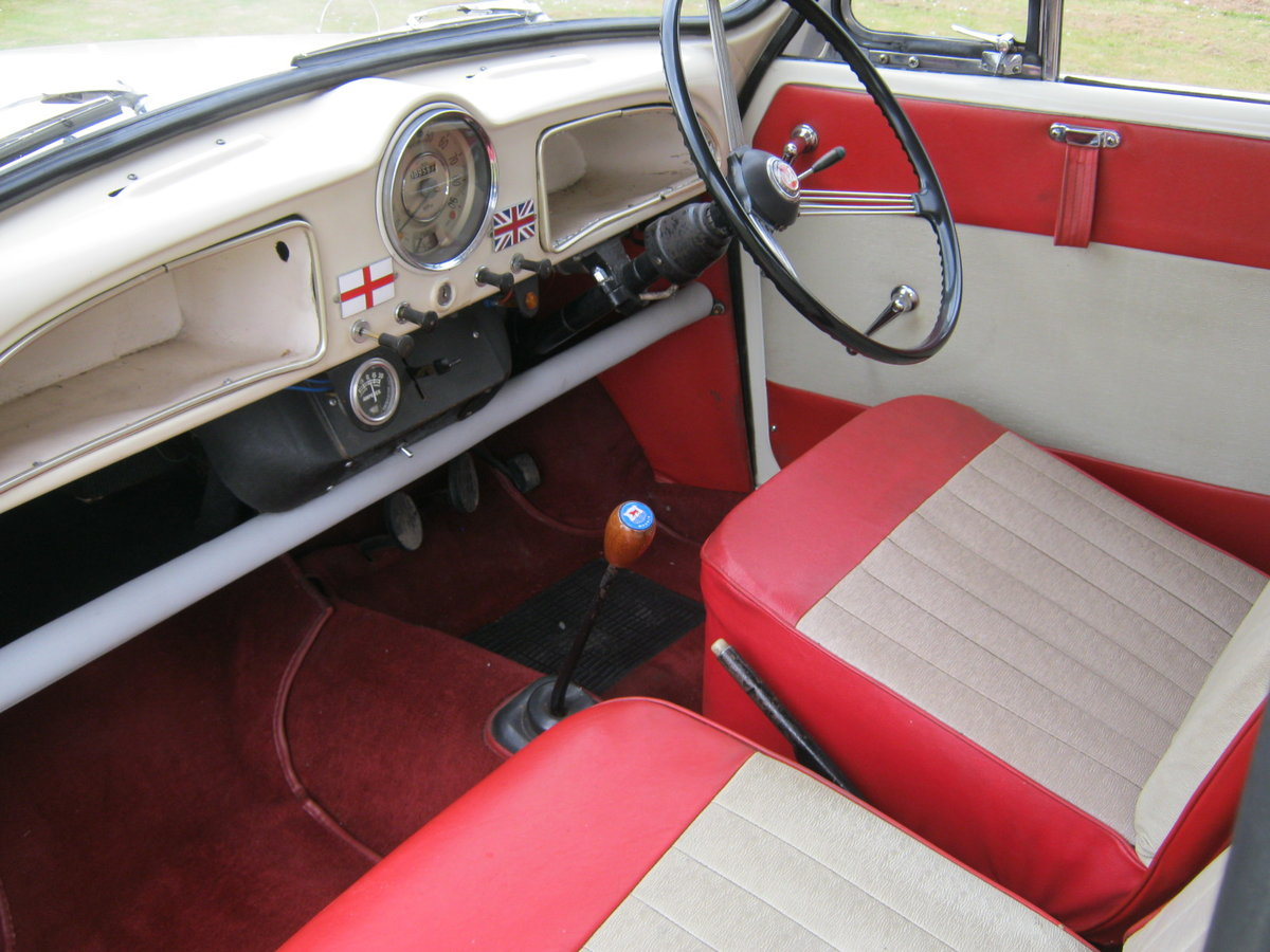 1964 MORRIS MINOR 1000 TRAVELLER. 2 OWNS 36 YEARS. DISCS. For Sale (picture 4 of 6)