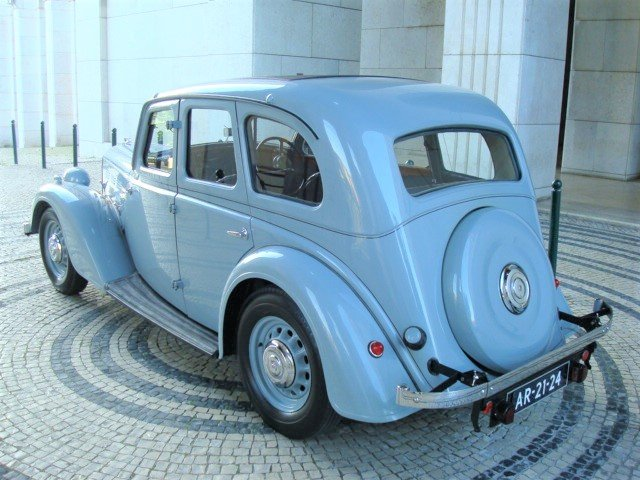 1937 Morris 14/6 Series III Saloon For Sale (picture 2 of 6)