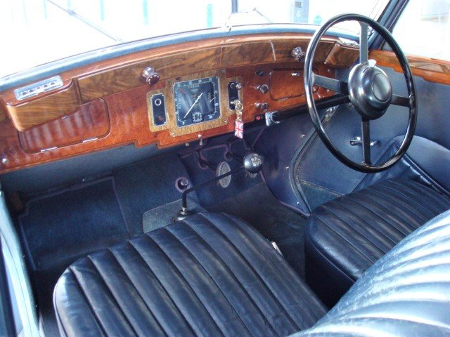 1937 Morris 14/6 Series III Saloon For Sale (picture 3 of 6)