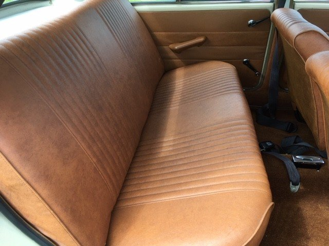 1970 Morris 1300 Saloon at Morris Leslie Auction 25th May SOLD by Auction (picture 4 of 6)