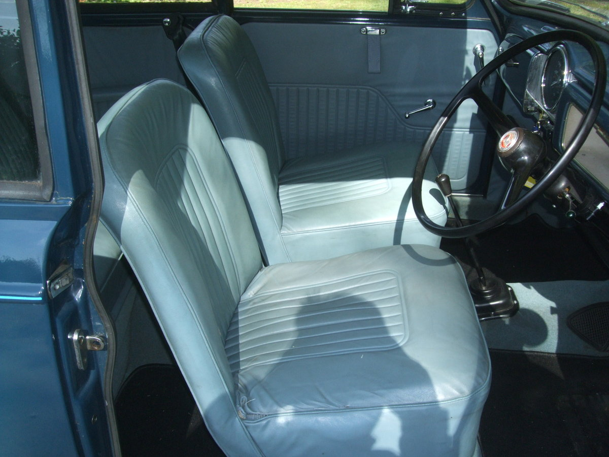 1970 TRAFALGAR BLUE 2 DOOR SALOON SOLD (picture 4 of 6)