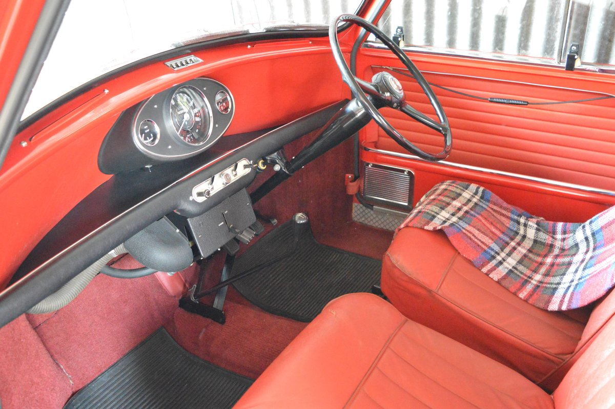 1966 Morris Mini Traveller Auction Friday 12/7 midday For Sale by Auction (picture 3 of 6)