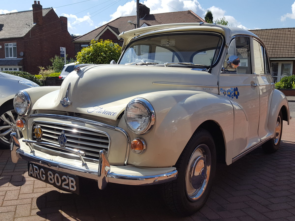 Morris Minor 1964 1000 4 Door White Fully Restored For Sale (picture 1 of 6)