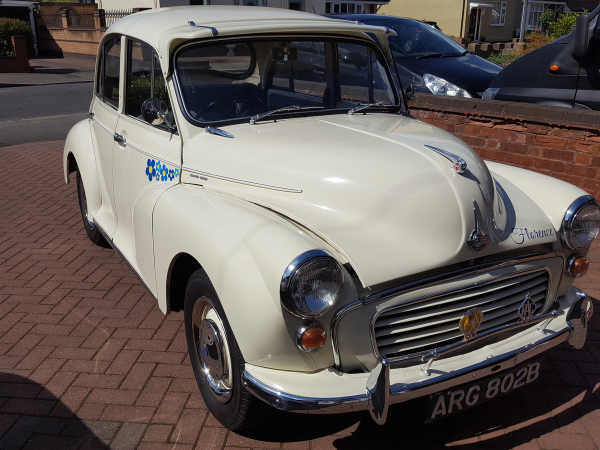 Morris Minor 1964 1000 4 Door White Fully Restored For Sale (picture 2 of 6)