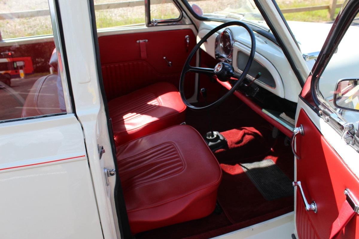 1969 Morris Minor 1098 cc 4 Door Saloon ,  SOLD (picture 4 of 6)