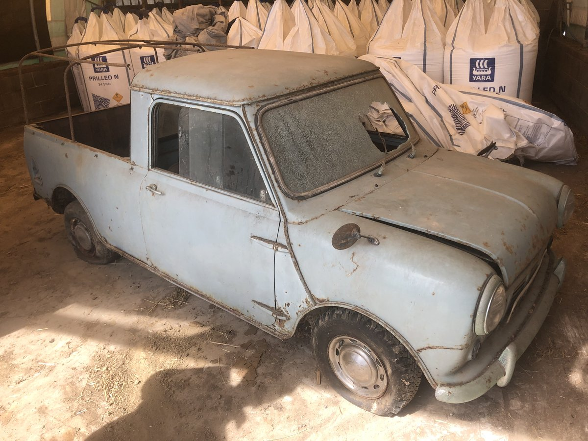 1962 Morris Mini Pickup for sale by auction on June 15th SOLD by Auction (picture 2 of 6)