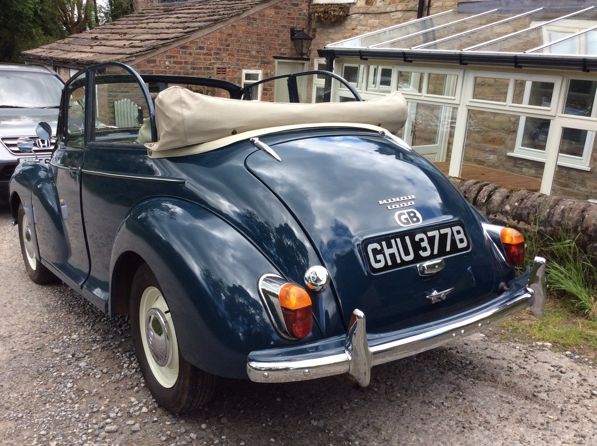 1964 Morris Minor Convertible SOLD (picture 2 of 6)