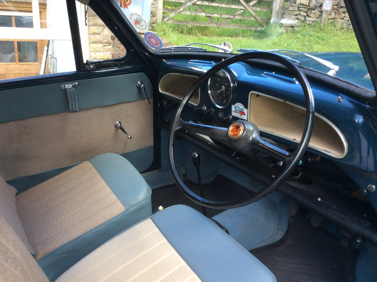 1964 Morris Minor Convertible SOLD (picture 4 of 6)