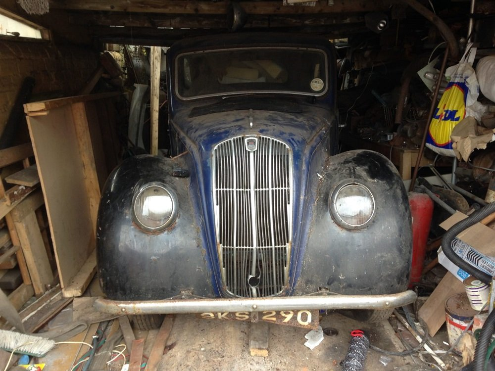 1939 MORRIS 8 SERIES E 2 DOOR SALOON 885CC - BARN FIND In Be SOLD by Auction (picture 2 of 3)
