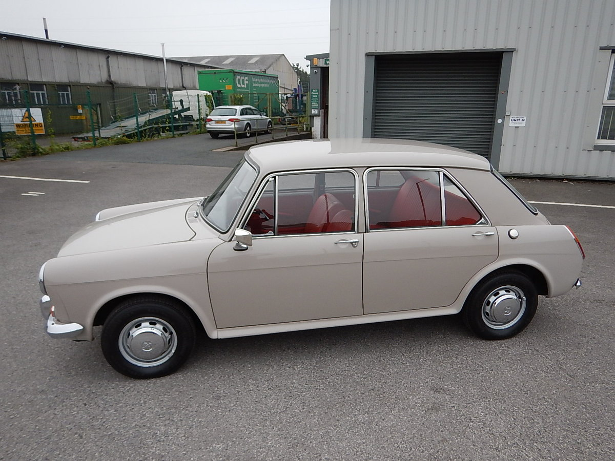 1968 MORRIS 1300 MkII ADO16 Saloon SOLD (picture 1 of 6)