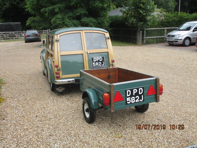 1970 Morris Minor Traveller & Box Trailer SOLD (picture 2 of 6)