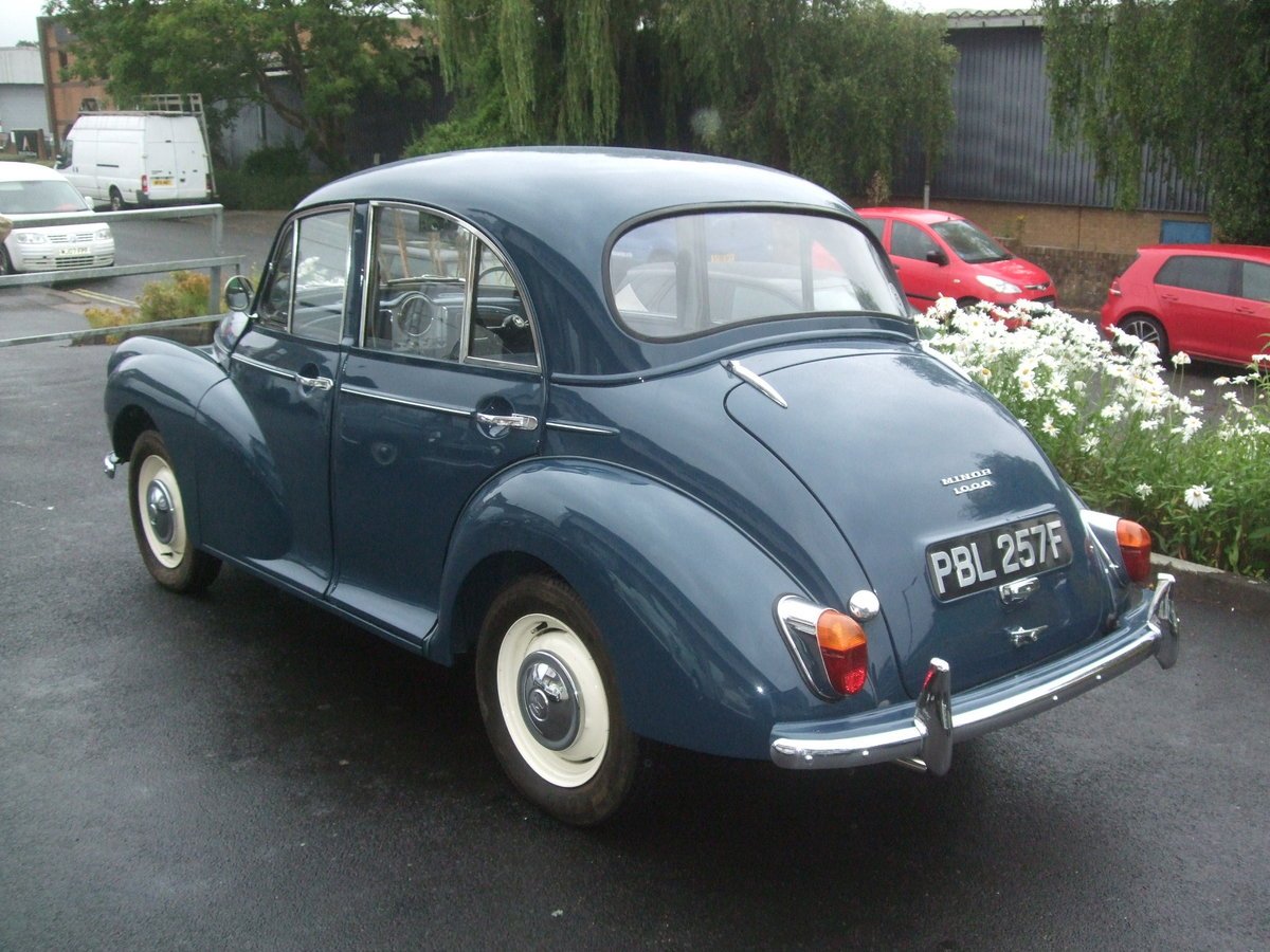 EXCEPTIONAL 1968 TRAFALGAR BLUE 4 DOOR SALOON For Sale (picture 4 of 6)