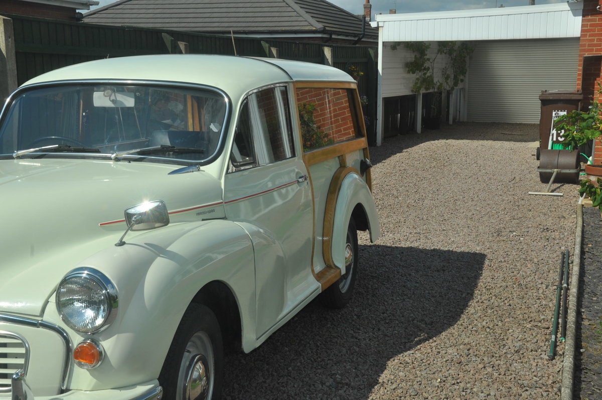 1970 For Sale : Morris Traveller SOLD (picture 4 of 6)