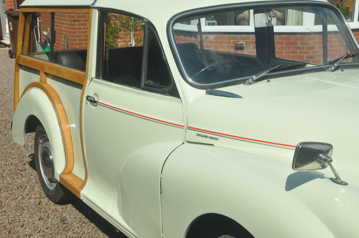 1970 For Sale : Morris Traveller SOLD (picture 5 of 6)