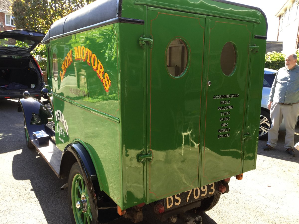 1929 Historic Vehicle; an old Morris Cowley Goods Van For Sale (picture 2 of 6)