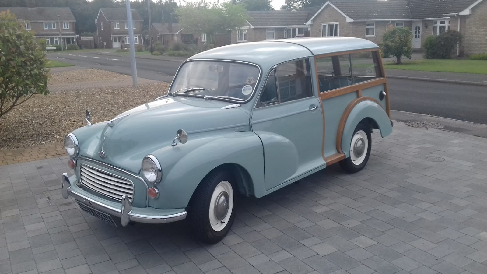 Morris Minor 1000 Traveller Fully restored  SOLD (picture 1 of 6)