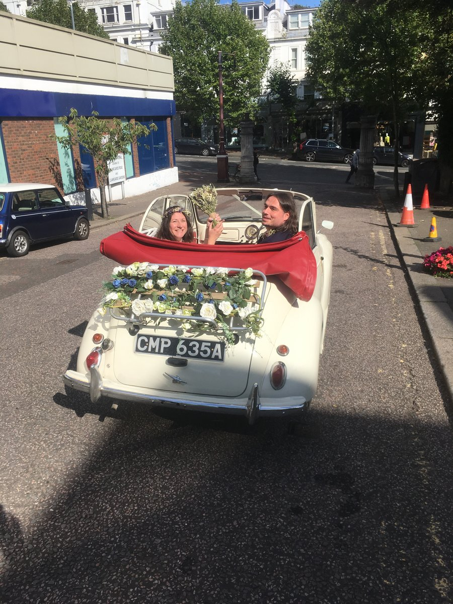 1963 Morris Minor Convertible Wedding Hire For Hire (picture 3 of 6)