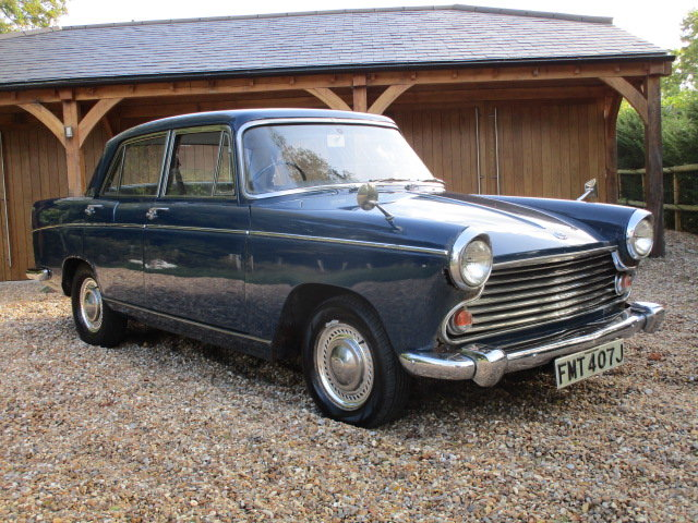 1970 Morris Oxford Saloon (Debit Cards Accepted) SOLD (picture 1 of 6)
