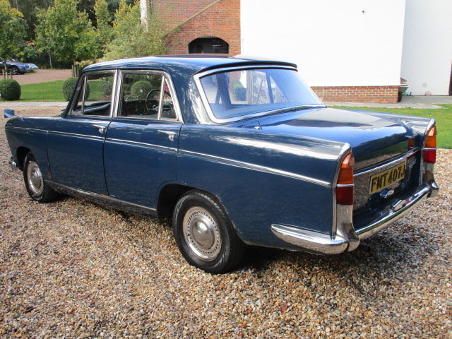 1970 Morris Oxford Saloon (Debit Cards Accepted) SOLD (picture 2 of 6)