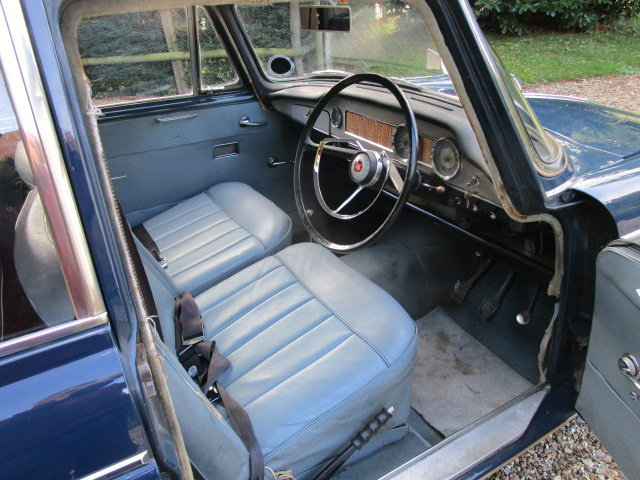 1970 Morris Oxford Saloon (Debit Cards Accepted) SOLD (picture 3 of 6)
