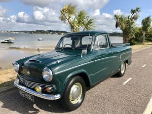 MORRIS HALF TON PICK UP 1972 ONLY 39,000 miles!