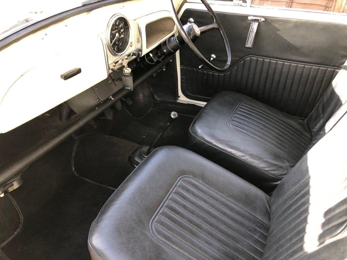 Morris Minor 1000 1098cc Classic Car 2 Door 1970 SOLD (picture 2 of 6)