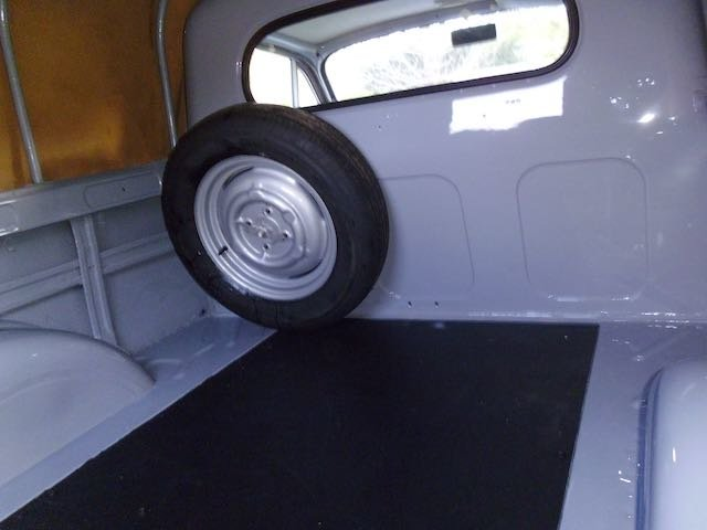 1970 Austin Morris 1000 pick up totally restored For Sale (picture 5 of 6)