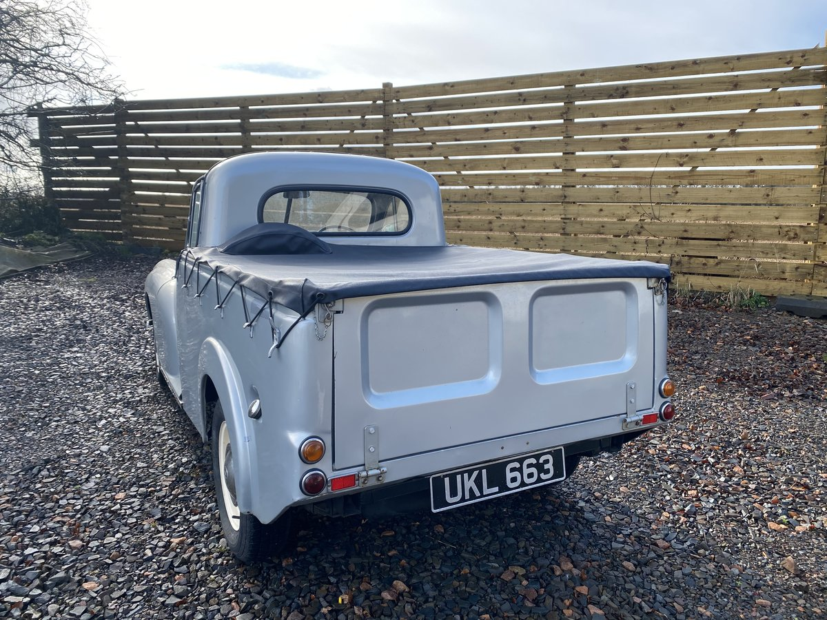 1955 Outstanding Morris Minor Pick Up For Sale (picture 5 of 6)