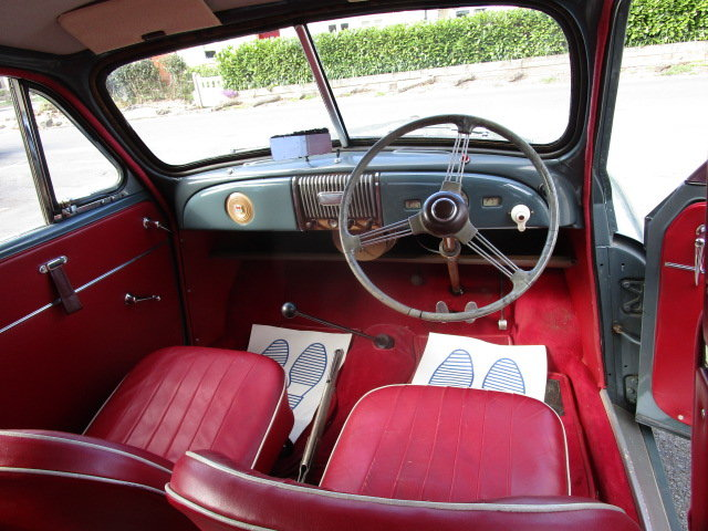 1953 Morris Minor Saloon  (Free Delivery within 200 miles) SOLD (picture 4 of 6)