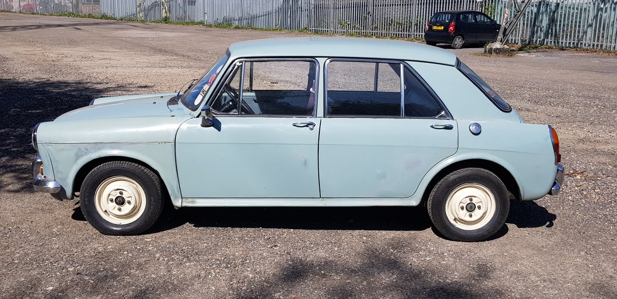 1966 Morris 1100 SOLD (picture 3 of 6)