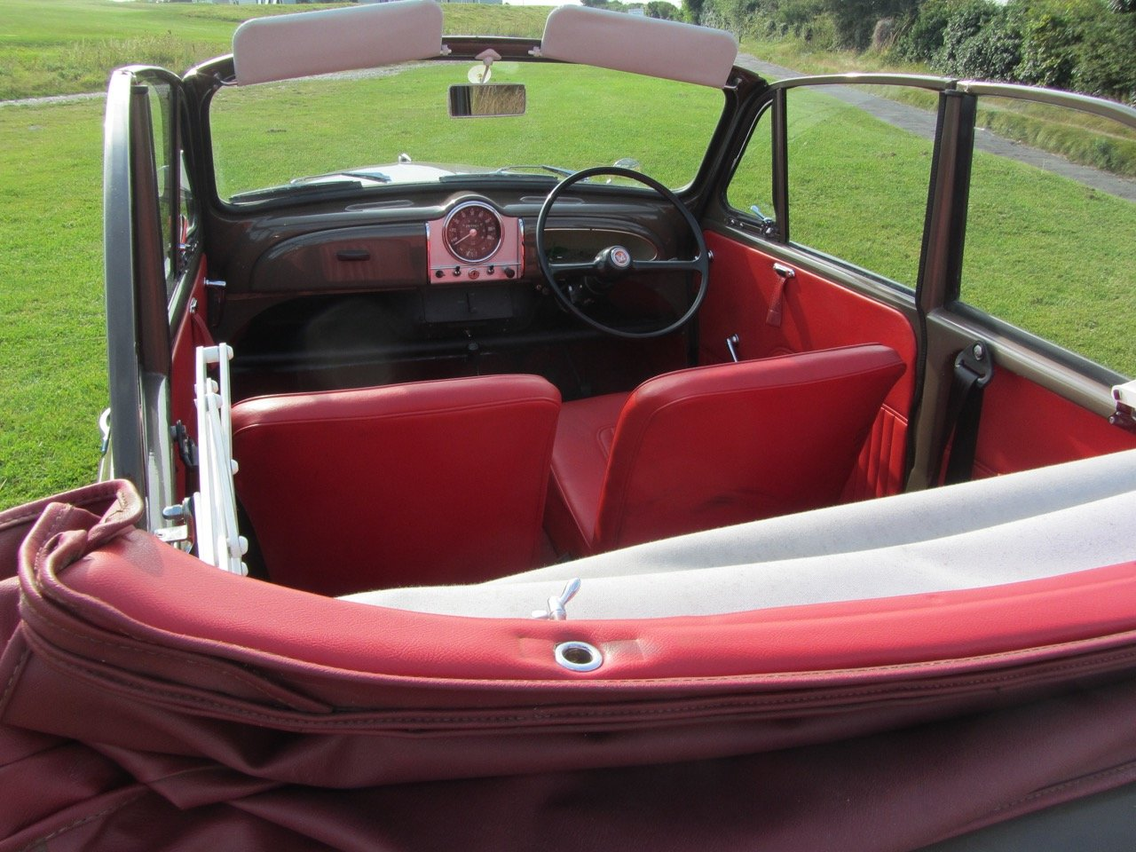 1970 Morris Minor convertible 1971  For Sale (picture 5 of 6)