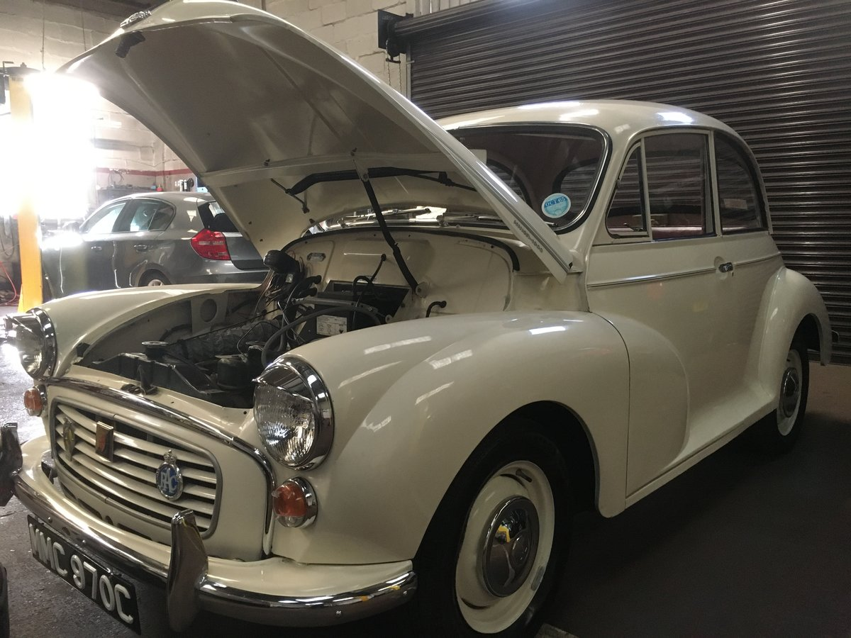Beautiful 1965 C Reg White Morris Minor 1000 2door For Sale (picture 5 of 6)