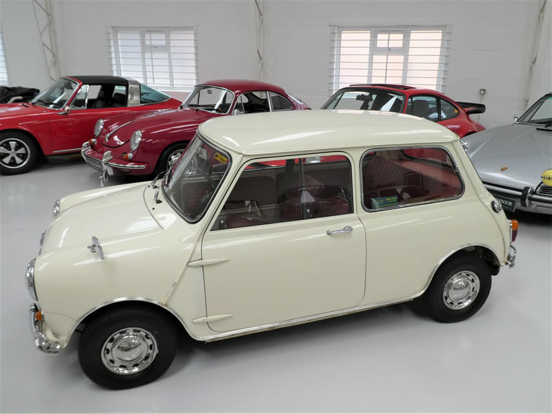 1965 Morris Mini Super De-Lux Saloon - One Family Owner From New  SOLD (picture 2 of 6)
