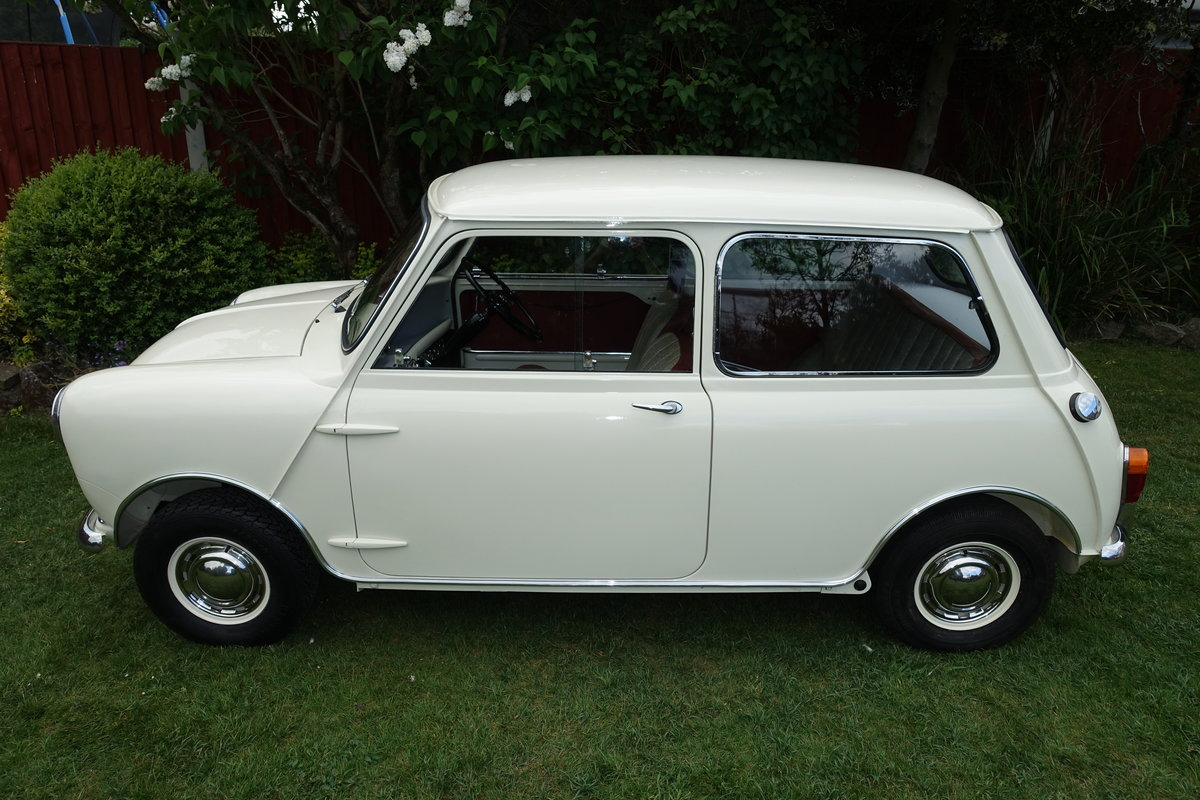 1960 Morris Mini DeLuxe SOLD (picture 3 of 6)
