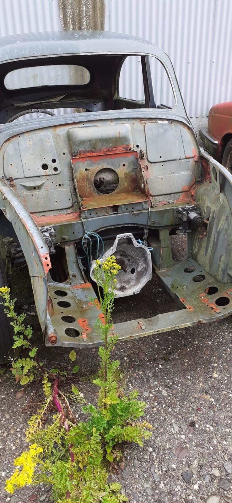 Picture of 1955 Morris Minor Rolling shell to be completed For Sale
