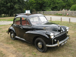 1952 MORRIS MINOR SPLIT SCREEN 4 DOOR SALOON. LARGE SUN ROOF SOLD