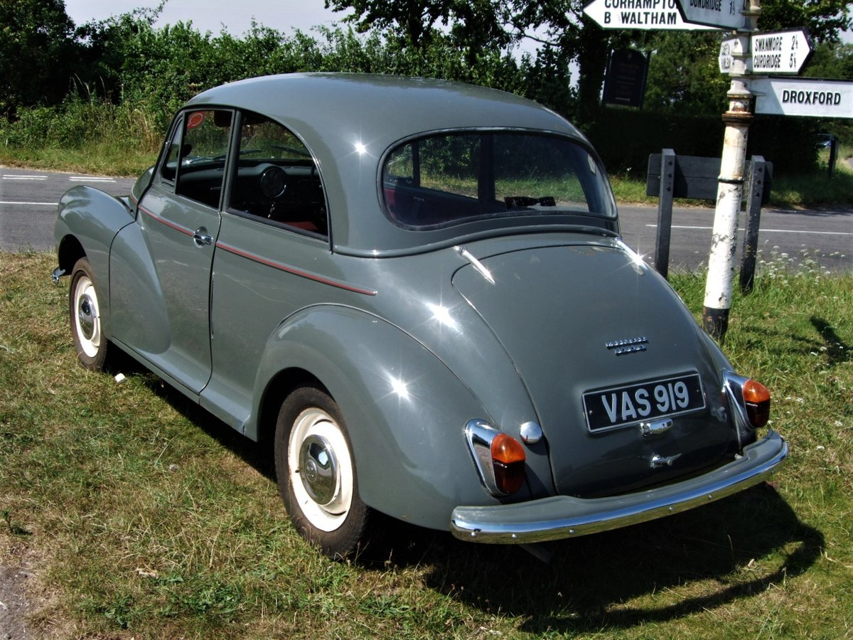 1961 Morris Minor 1000 Saloon 2dr in Yukon Grey SOLD SOLD (picture 2 of 6)