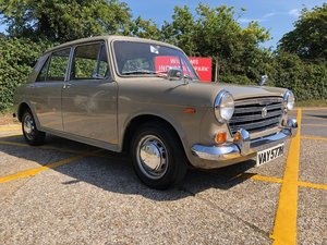 1970 Morris 1300. Bedouin Brown. Only 65k. Wonderful.