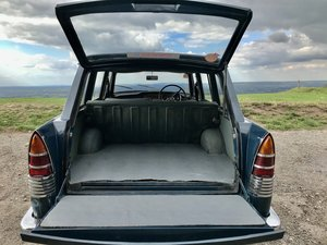 Picture of 1968 MORRIS OXFORD TRAVELLER ESTATE