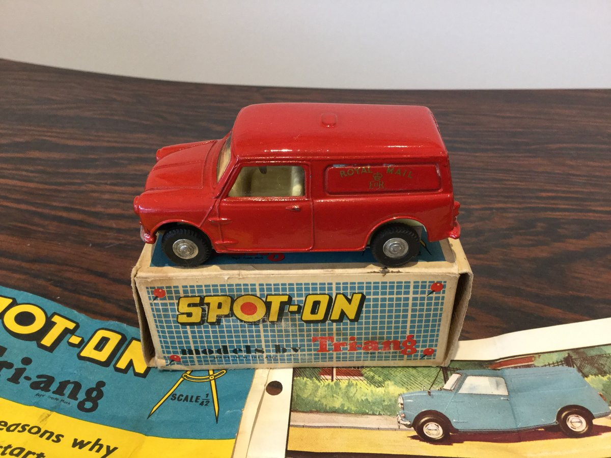 Spot on Morris mini Royal Mail van For Sale (picture 2 of 6)