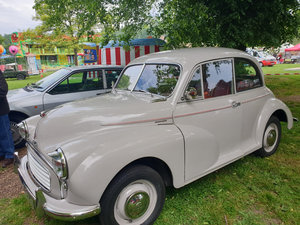 Beautiful Morris Minor Split Screen