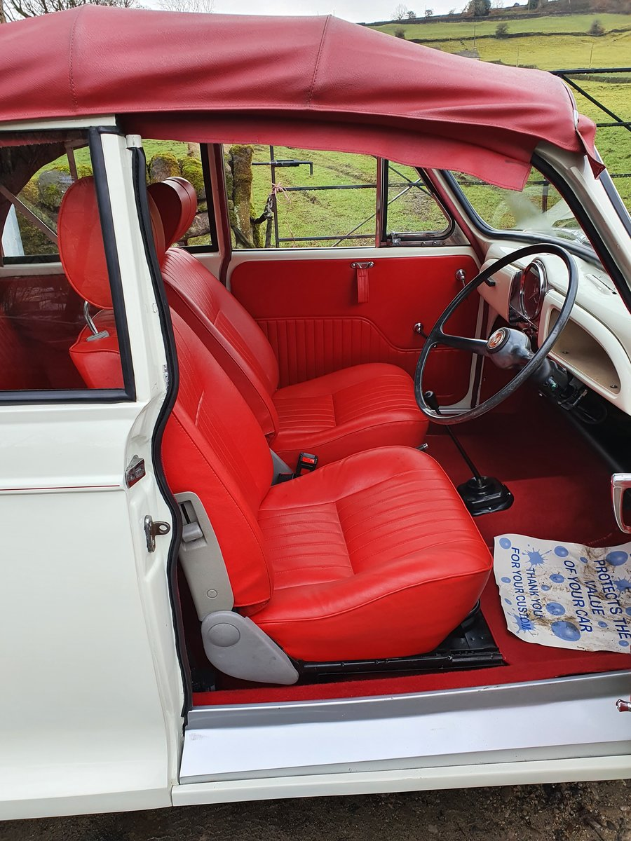 1966 Stunning factory tourer, in exceptional condition For Sale (picture 4 of 11)