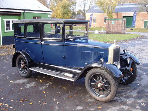 1928 Morris Oxford 13.9 saloon For Sale (picture 1 of 6)