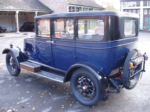 1928 Morris Oxford 13.9 saloon For Sale (picture 2 of 6)