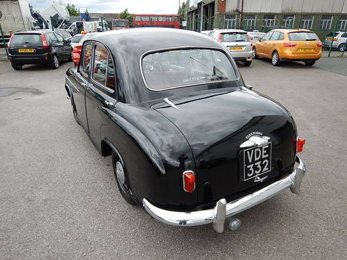 1955 MORRIS OXFORD Series II ~ Genuine 18499 Miles ~  SOLD (picture 4 of 6)
