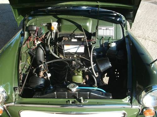 1970 Morris Traveller Ex Army Deep Bronze Green! SOLD (picture 5 of 6)
