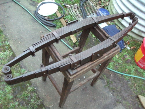 Pair of 1947 Morris road springs For Sale (picture 1 of 4)