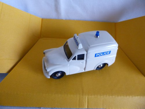 1960 MORRIS MINOR POLICE VAN LTD ED RAY BYGATE MODELS For Sale (picture 4 of 6)